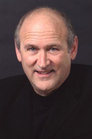 Nhà văn cao cấp John Fishcher